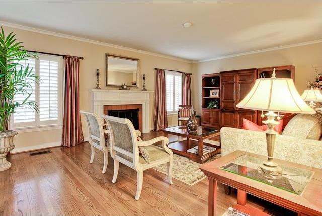 Sold Property   6616 Lakewood Boulevard Dallas, Texas 75214 10