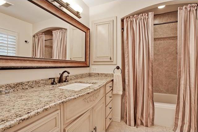 Sold Property   6616 Lakewood Boulevard Dallas, Texas 75214 19