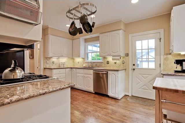 Sold Property   6616 Lakewood Boulevard Dallas, Texas 75214 7