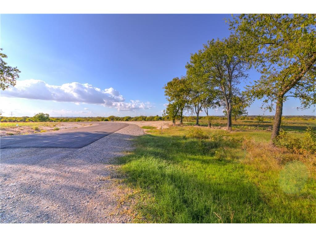 Sold Property | 8001 Hencken Ranch Road Fort Worth, Texas 76126 2