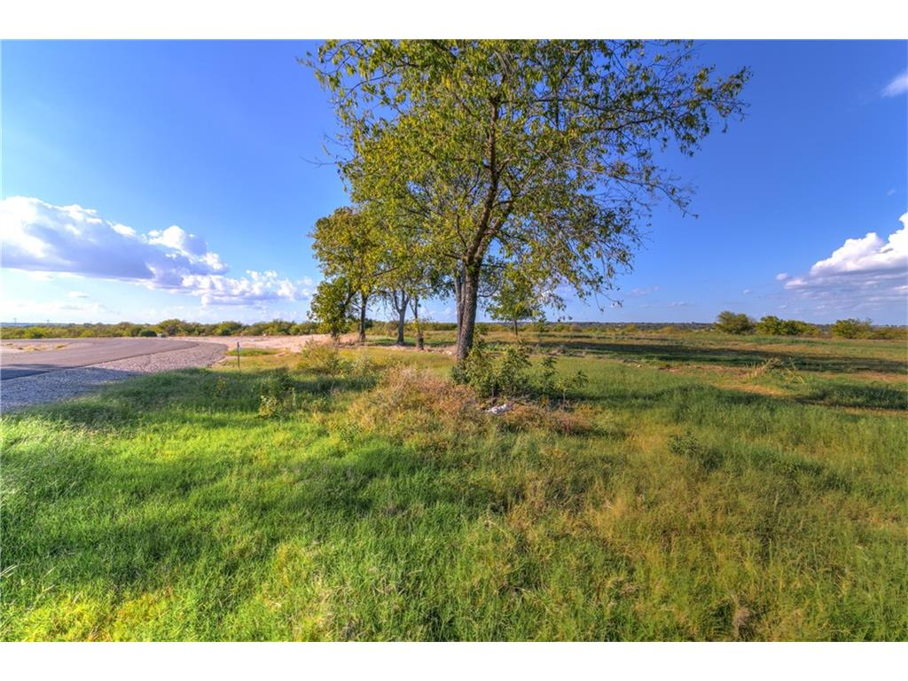 Sold Property | 8001 Hencken Ranch Road Fort Worth, Texas 76126 5
