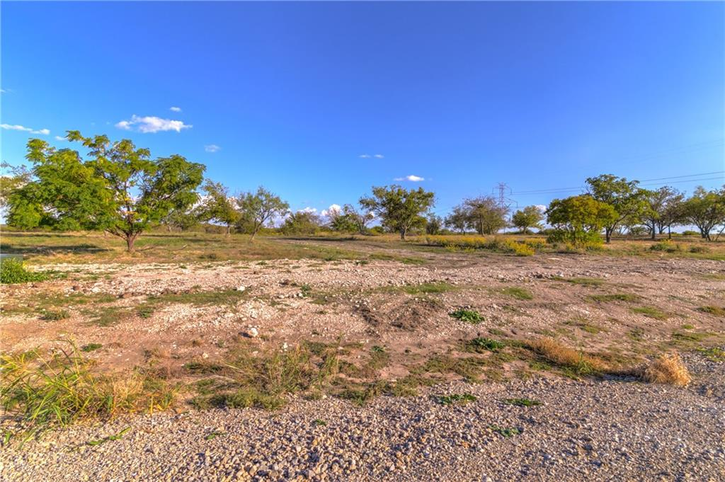 Sold Property | 8021 Hencken Ranch Road Fort Worth, Texas 76126 29