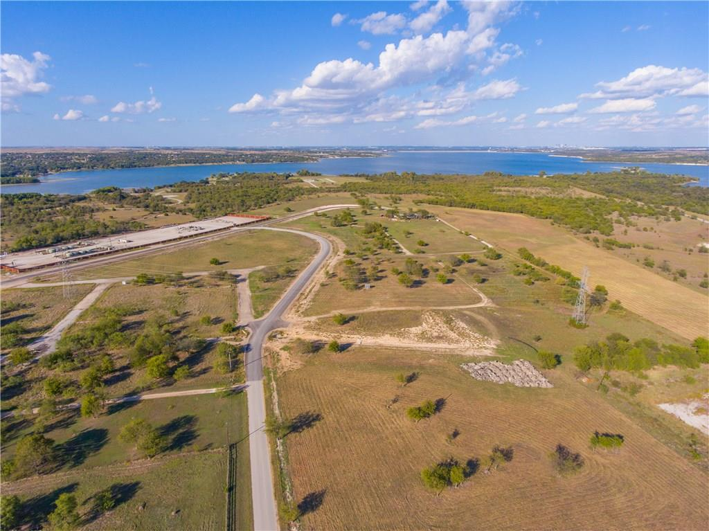 Sold Property | 8021 Hencken Ranch Road Fort Worth, Texas 76126 3