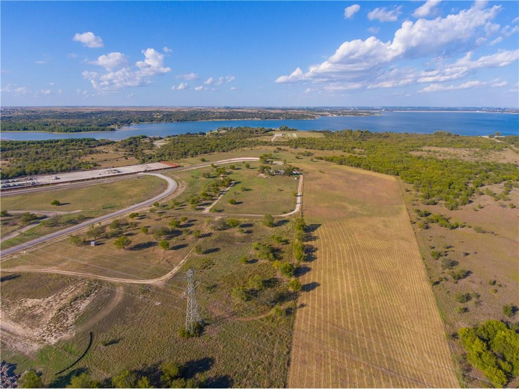 Sold Property | 8021 Hencken Ranch Road Fort Worth, Texas 76126 5