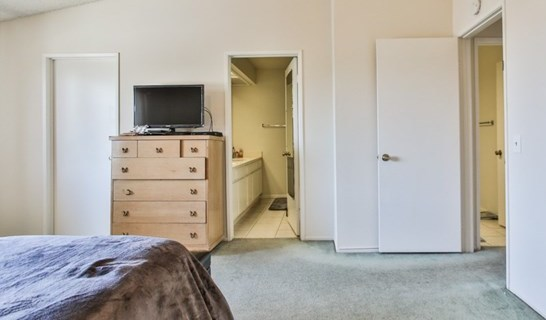 Closed   15061 Mulberry Drive #2 Whittier, CA 90604 21
