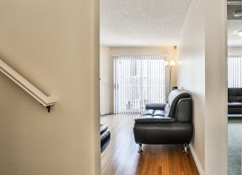 Closed   15061 Mulberry Drive #2 Whittier, CA 90604 25