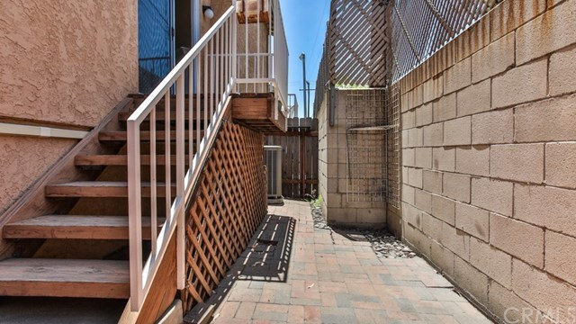 Closed   15061 Mulberry Drive #2 Whittier, CA 90604 40