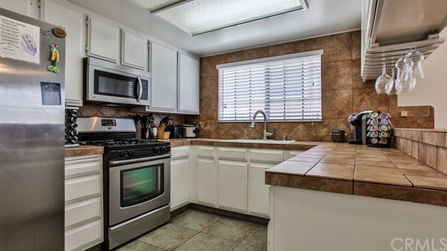 Closed   15061 Mulberry Drive #2 Whittier, CA 90604 43