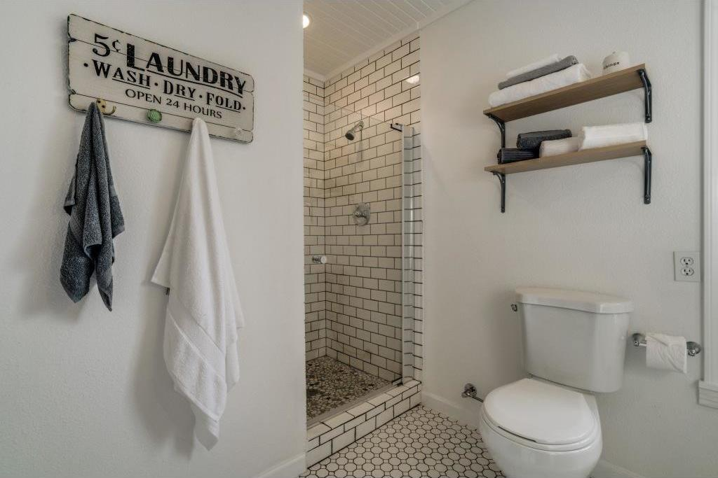 Sold Property | 9014 Daytonia Avenue Dallas, Texas 75218 12