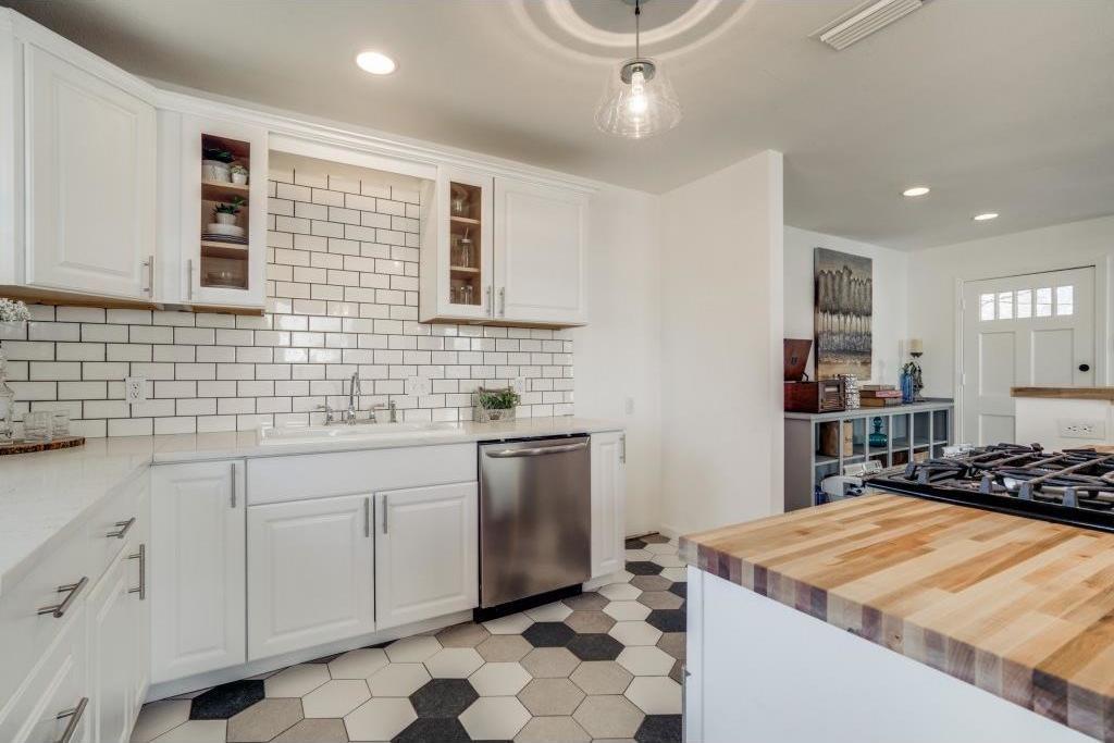 Sold Property | 9014 Daytonia Avenue Dallas, Texas 75218 7