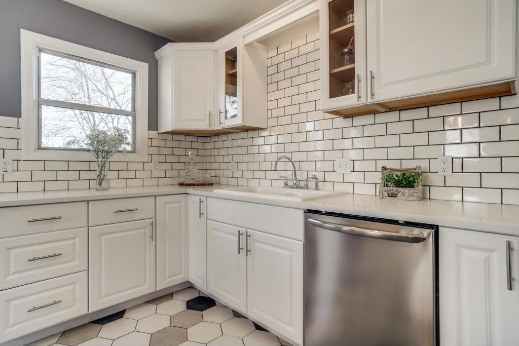 Sold Property | 9014 Daytonia Avenue Dallas, Texas 75218 8