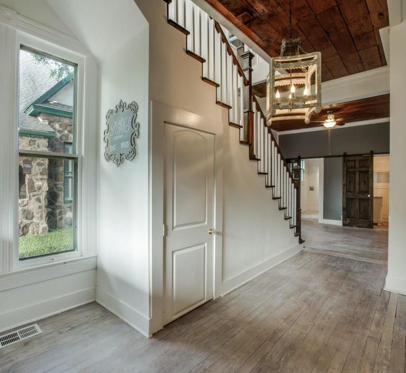 Sold Property | 4317 Worth Street Dallas, Texas 75246 3