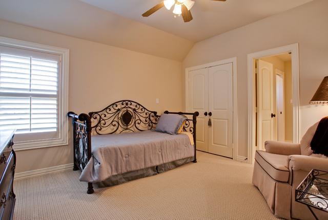 Sold Property | 6419 Vanderbilt Avenue Dallas, Texas 75214 11