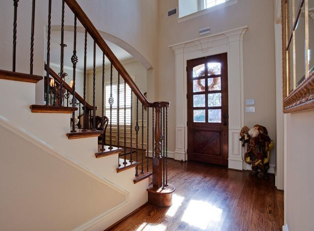 Sold Property | 6419 Vanderbilt Avenue Dallas, Texas 75214 2