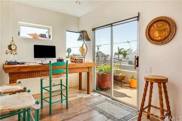 Closed | 1220 17th Street Hermosa Beach, CA 90254 11