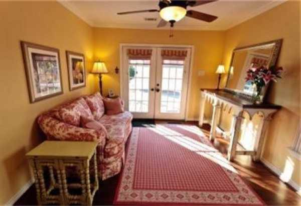 Sold Property   6232 Mccommas Boulevard Dallas, Texas 75214 8
