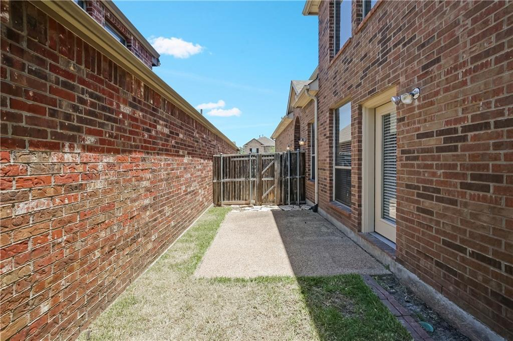 Sold Property   9112 Cottonwood Village Drive Fort Worth, Texas 76120 26