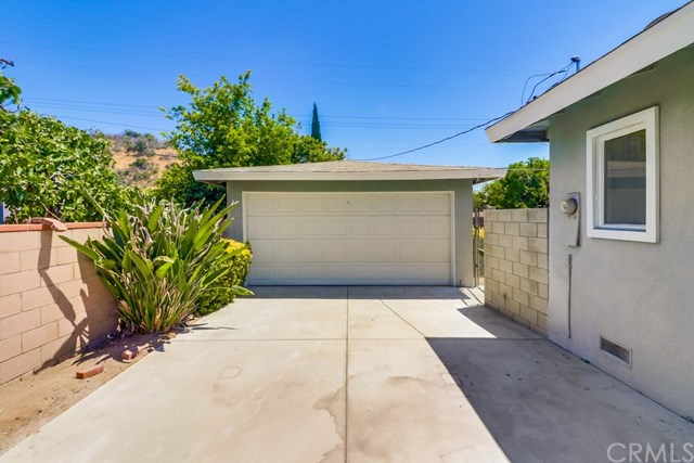 Closed | 214 E Linfield Street Glendora, CA 91740 40
