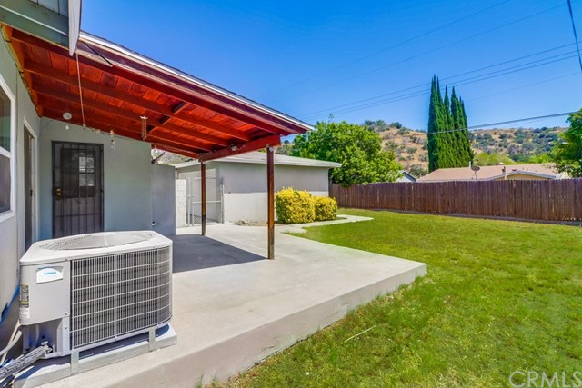 Closed | 214 E Linfield Street Glendora, CA 91740 32