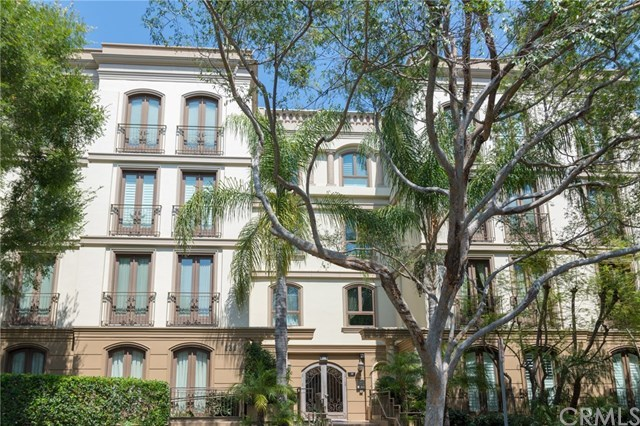 Closed | 132 S Crescent Drive #403 Beverly Hills, CA 90212 0