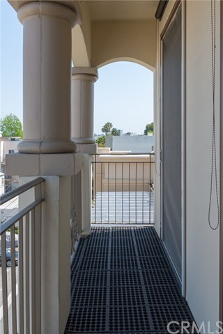 Closed | 132 S Crescent Drive #403 Beverly Hills, CA 90212 20