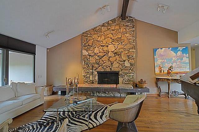 Sold Property   6881 Carolyncrest Drive Dallas, Texas 75214 4