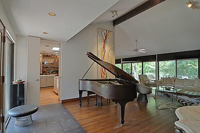 Sold Property   6881 Carolyncrest Drive Dallas, Texas 75214 6