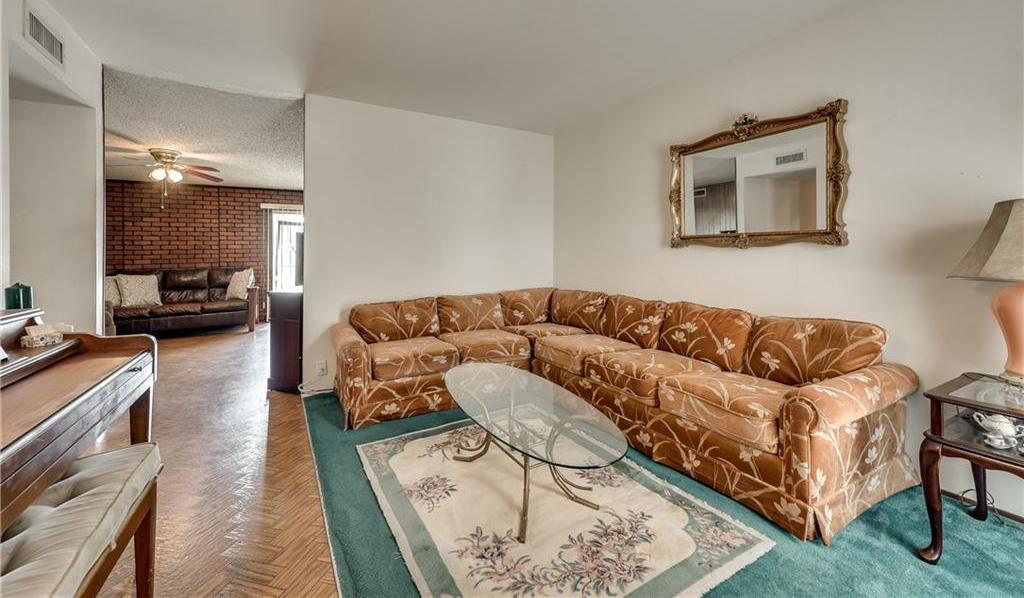 Sold Property | 5410 Robin Road Garland, Texas 75043 4