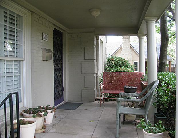 Sold Property | 6421 Goliad Avenue Dallas, Texas 75214 2