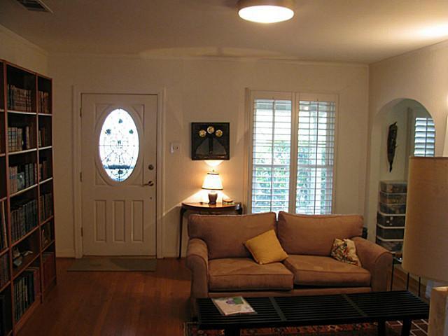 Sold Property | 6421 Goliad Avenue Dallas, Texas 75214 3