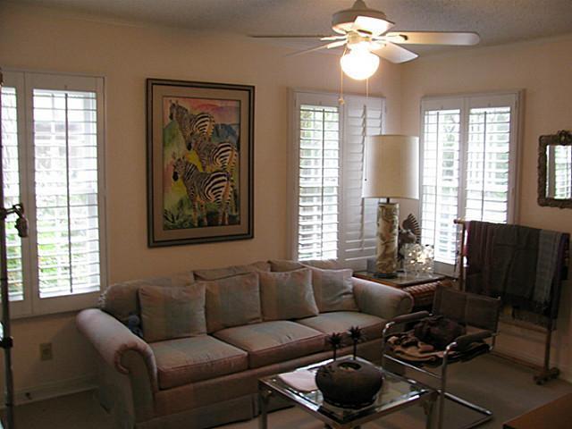 Sold Property | 6421 Goliad Avenue Dallas, Texas 75214 8