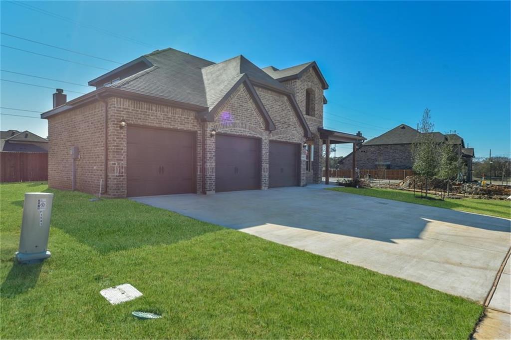 Pending | 1545 Blue Lake  Burleson, TX 76058 1
