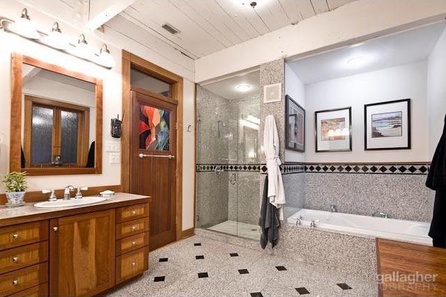 Sold Property | 4021 Dalgreen Drive Dallas, Texas 75214 10