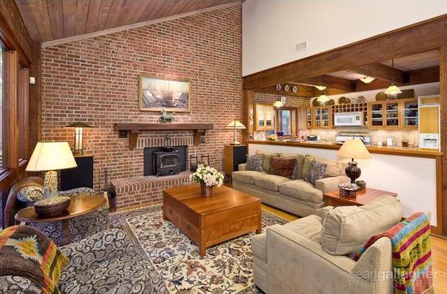 Sold Property | 4021 Dalgreen Drive Dallas, Texas 75214 6