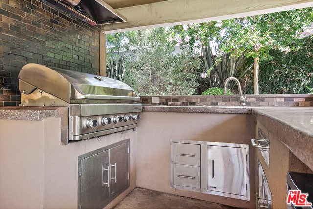 Closed   28148 BAKERTON Avenue Canyon Country, CA 91351 18