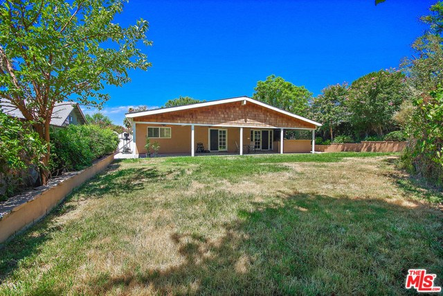Closed   28148 BAKERTON Avenue Canyon Country, CA 91351 16