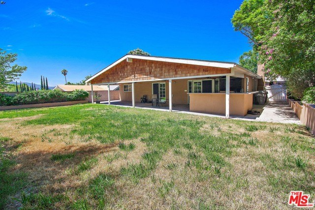 Closed   28148 BAKERTON Avenue Canyon Country, CA 91351 14