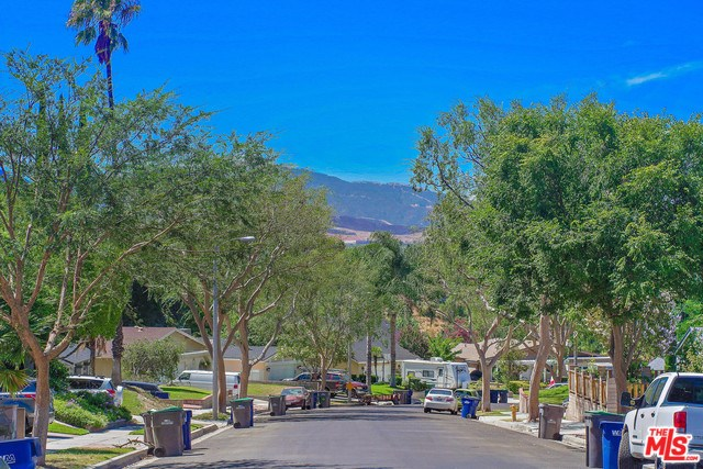 Closed   28148 BAKERTON Avenue Canyon Country, CA 91351 22