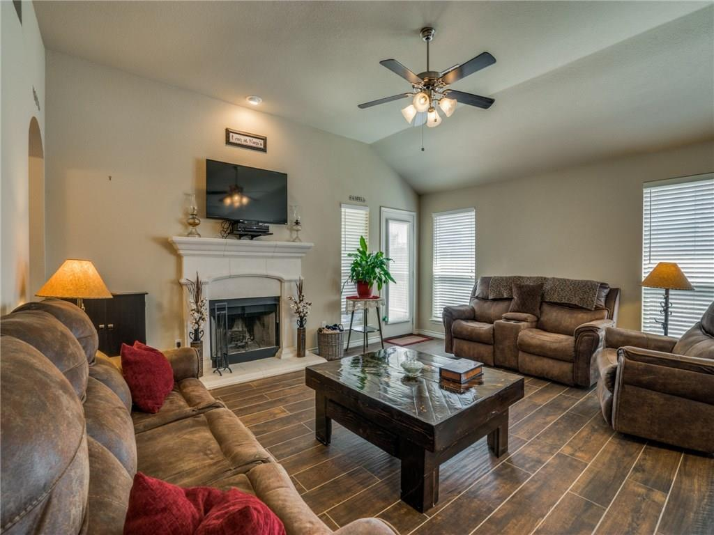 Sold Property | 633 Clearbrook Street Azle, Texas 76020 6
