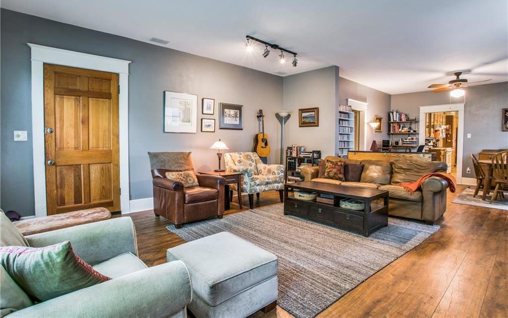 Sold Property | 5822 Belmont Avenue Dallas, Texas 75206 2