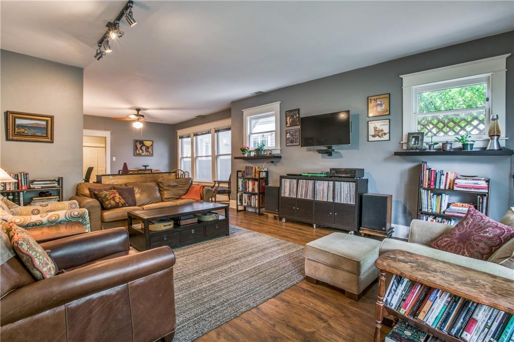 Sold Property | 5822 Belmont Avenue Dallas, Texas 75206 3