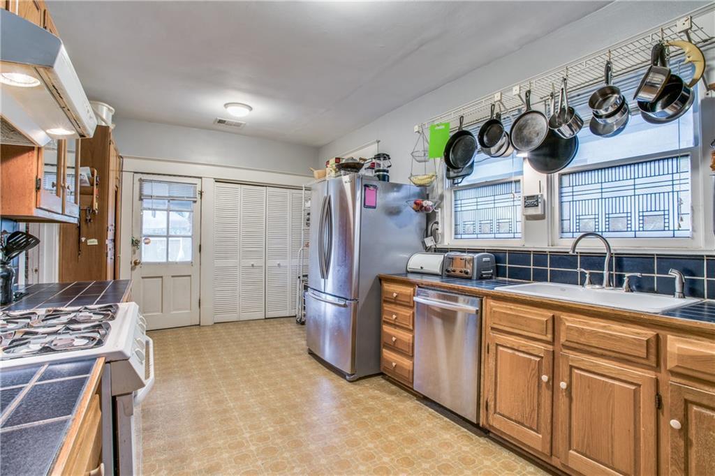 Sold Property | 5822 Belmont Avenue Dallas, Texas 75206 7