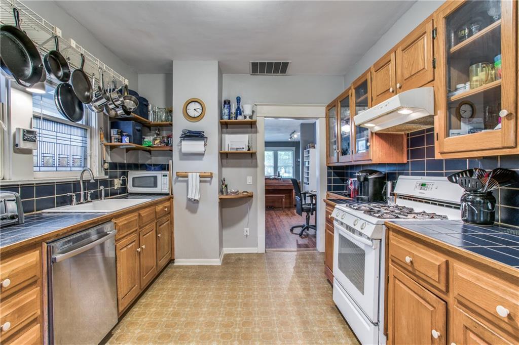 Sold Property | 5822 Belmont Avenue Dallas, Texas 75206 8