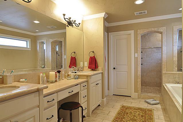 Sold Property | 6304 Llano Avenue Dallas, Texas 75214 14