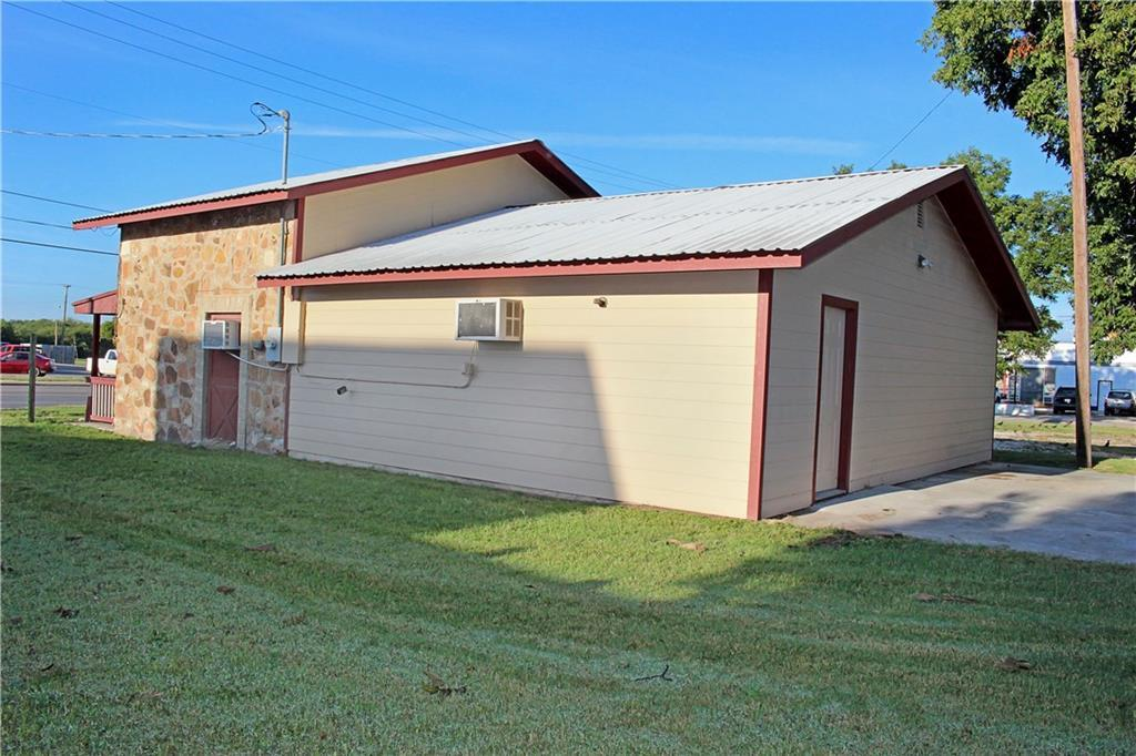 Sold Property | 303 W Central Avenue Comanche, TX 76442 16