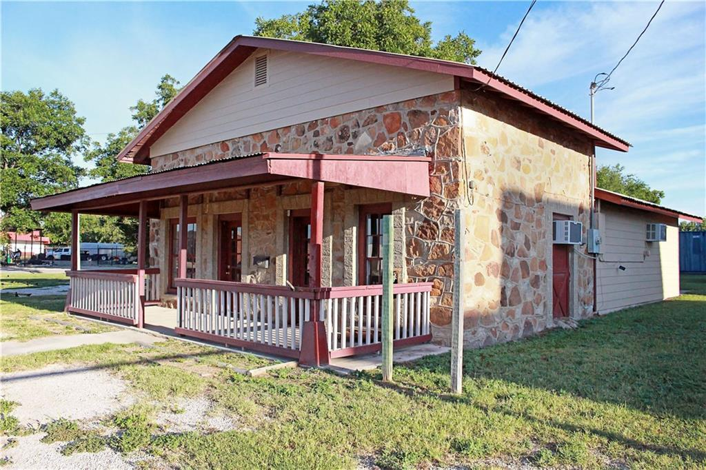 Sold Property | 303 W Central Avenue Comanche, TX 76442 3