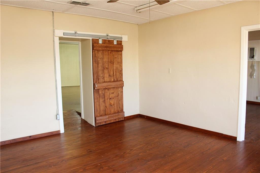 Sold Property   303 W Central Avenue Comanche, TX 76442 4