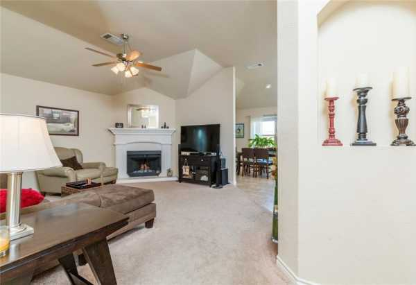 Sold Property | 200 Spring Hollow Drive Saginaw, Texas 76131 6