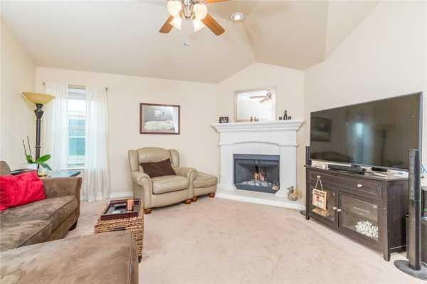 Sold Property | 200 Spring Hollow Drive Saginaw, Texas 76131 8