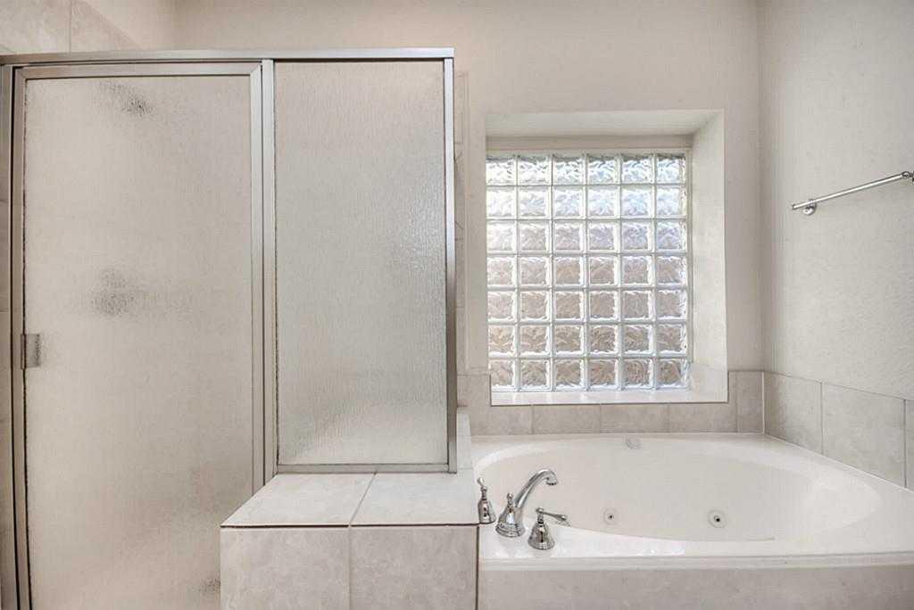 Sold Property | 11102 SHERWOOD GARDENS DR Houston, TX 77043 18